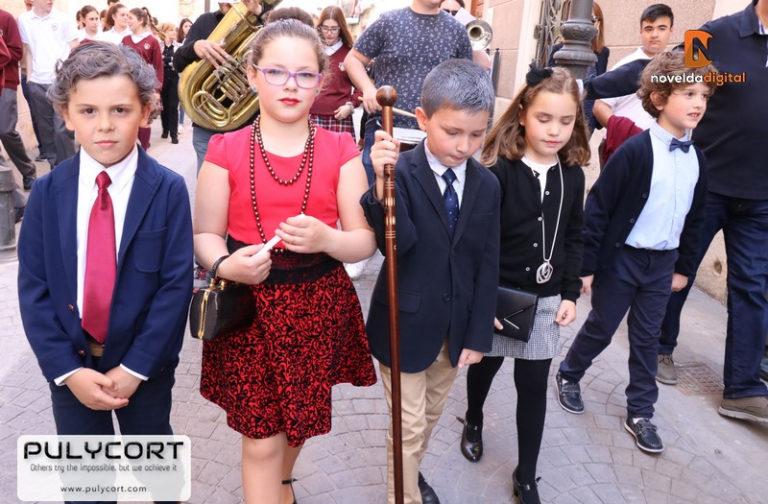 Procesión infantil del colegio Santa María Magdalena