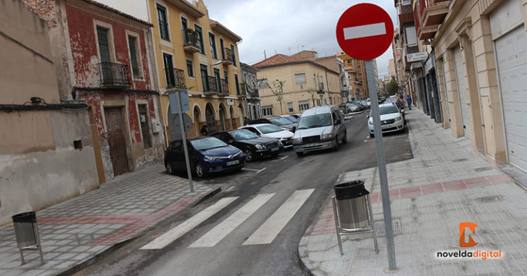 Abren la circulación al completo en la calle Travessia, Sentenero y Sargento Navarro