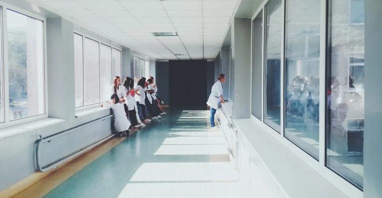 Sanidad convoca la edición 18 de las listas de empleo temporal para todas las categorías profesionales