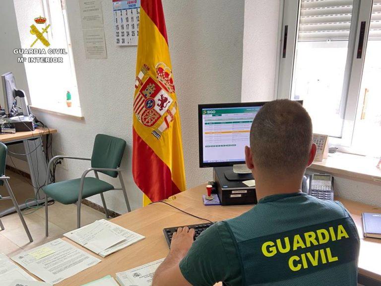La Guardia Civil detiene a un varón que obligó a otro a transportar droga en sus genitales
