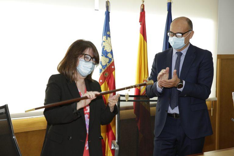 Amparo Navarro toma posesión como rectora de la Universidad de Alicante