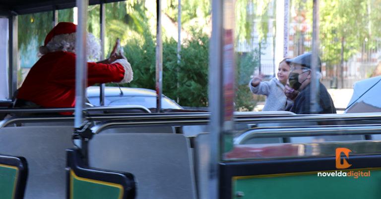 Papá Noel visita Novelda en tren turístico