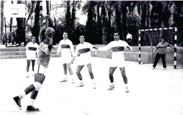 Nº 168) Jaime Segura Sainz (atleta y jugador de balonmano).-