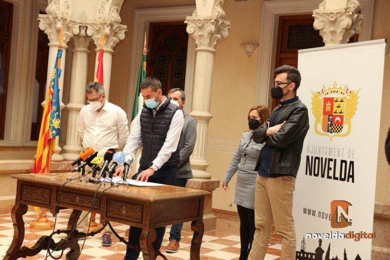 Firma del documento de apoyo para el sector de la Uva de Mesa Embolsada
