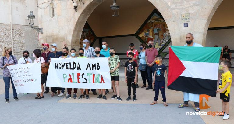 Novelda muestra su apoyo a Palestina