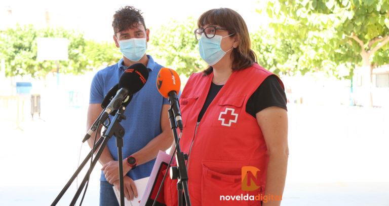 El Colegio Jorge Juan entrega a Cruz Roja Novelda la recaudación de su carrera solidaria