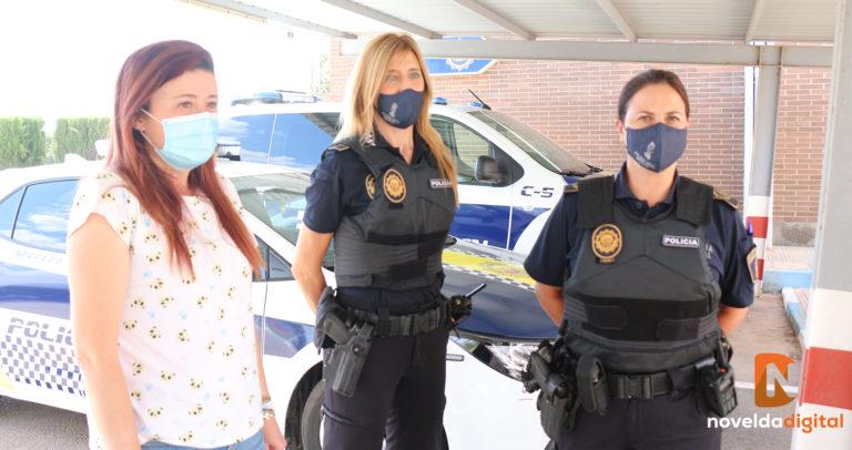 Nueva adquisición de chalecos antibalas femeninos para las agentes de la Policía Local
