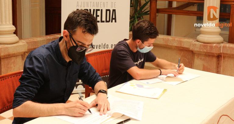 El Ayuntamiento firma un convenio con el Club Novelder de Muntanyisme