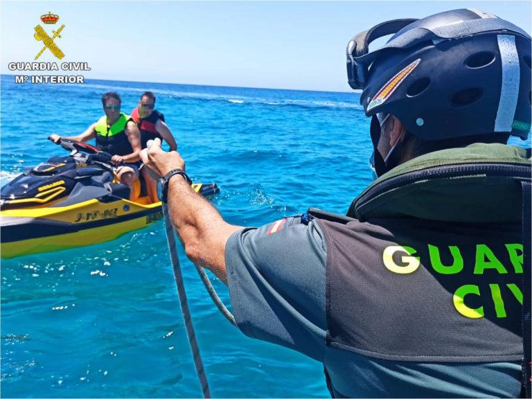 La Guardia Civil pone en marcha en Alicante la campaña de control de motos de agua