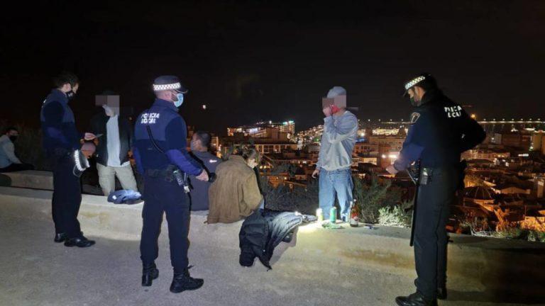 Las Fuerzas y Cuerpos de Seguridad del Estado intervienen en seis botellones multitudinarios en la provincia de Alicante, uno de ellos de unas 400 personas