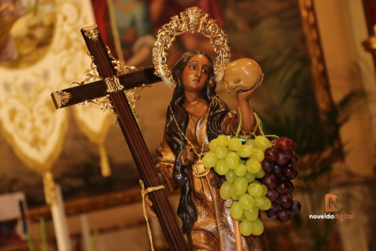 La Santa ya luce los racimos de uva