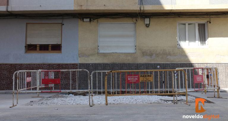 Patrimonio decide cerrar la entrada del posible refugio antiaéreo descubierto en junio por «seguridad, conservación y salubridad» además de «la dificultad de recercarlo» debido al «entorpecimiento de la circulación y la cercanía a las viviendas»