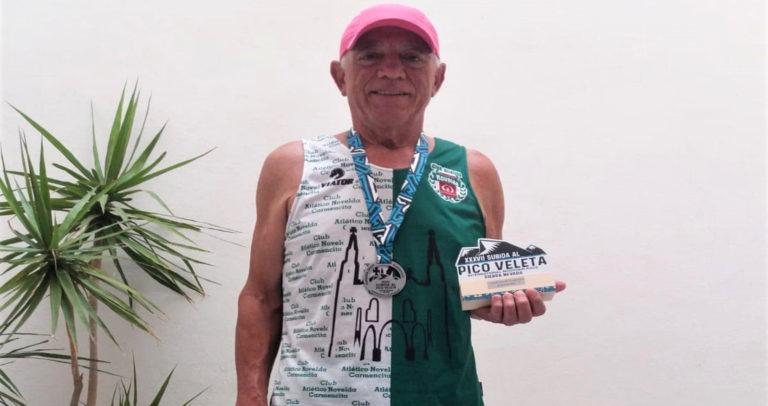 El atleta del Club Atlético Novelda Carmencita Emilio Sarrias conquista una victoria histórica en el Pico Veleta