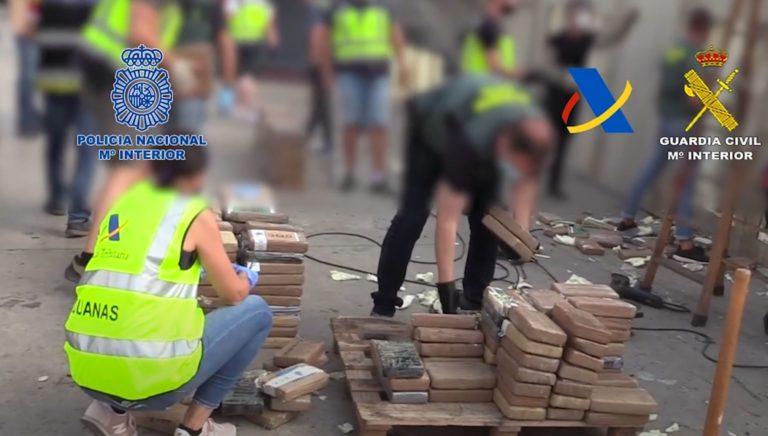 Incautada en Valencia más de una tonelada de cocaína oculta con un sofisticado sistema en el techo y en el suelo de un contenedor