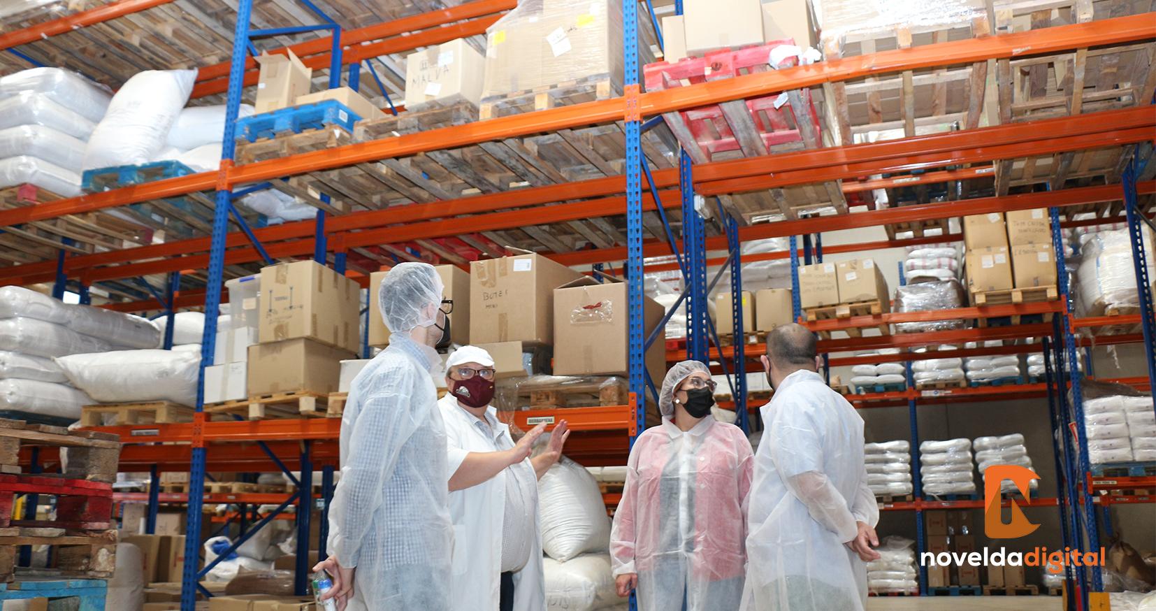 El alcalde visita las instalaciones de La Barraca Alimentación