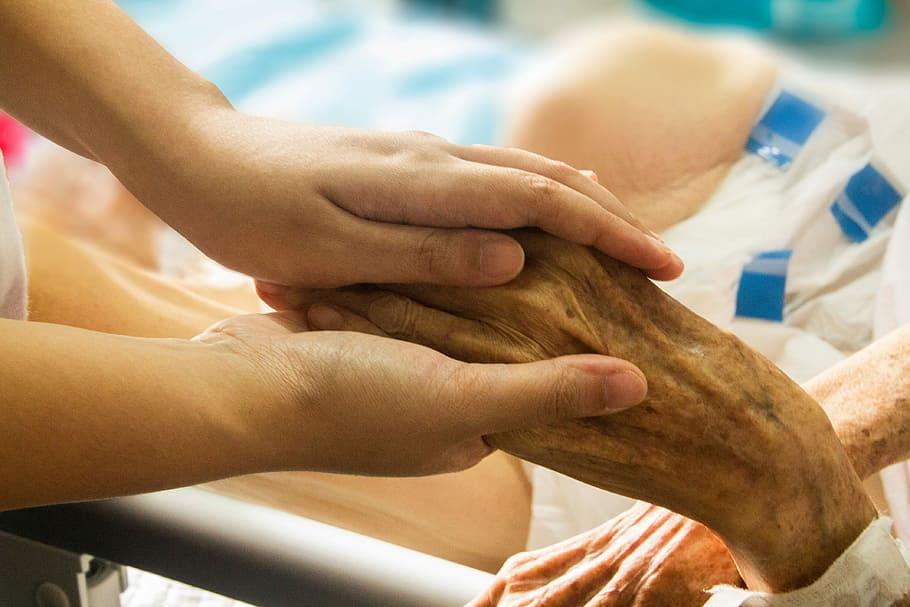 Las Unidades de Hospitalización a Domicilio y los hospitales de larga estancia atienden a más de 14.000 pacientes paliativos en un año