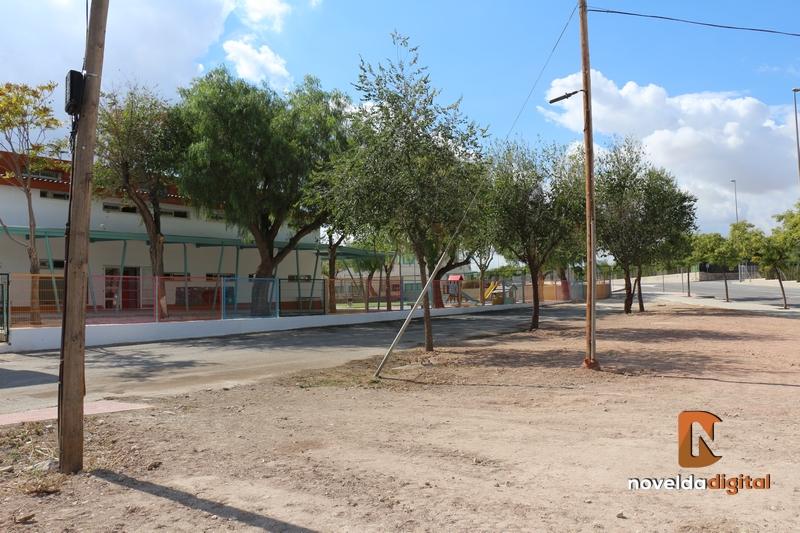 El Ayuntamiento adquiere un terreno para la futura ampliación del CEIP Jesús Navarro