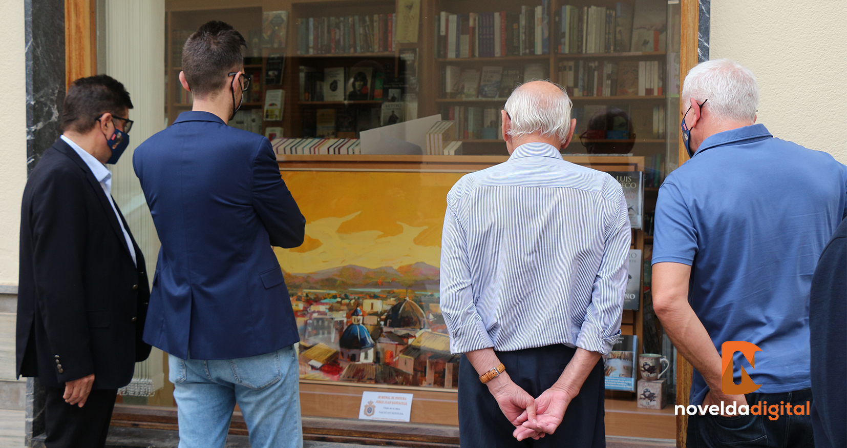 Inauguración de la exposición de la III Bienal de pintura Jorge Juan Santacilia repartida por comercios de Novelda