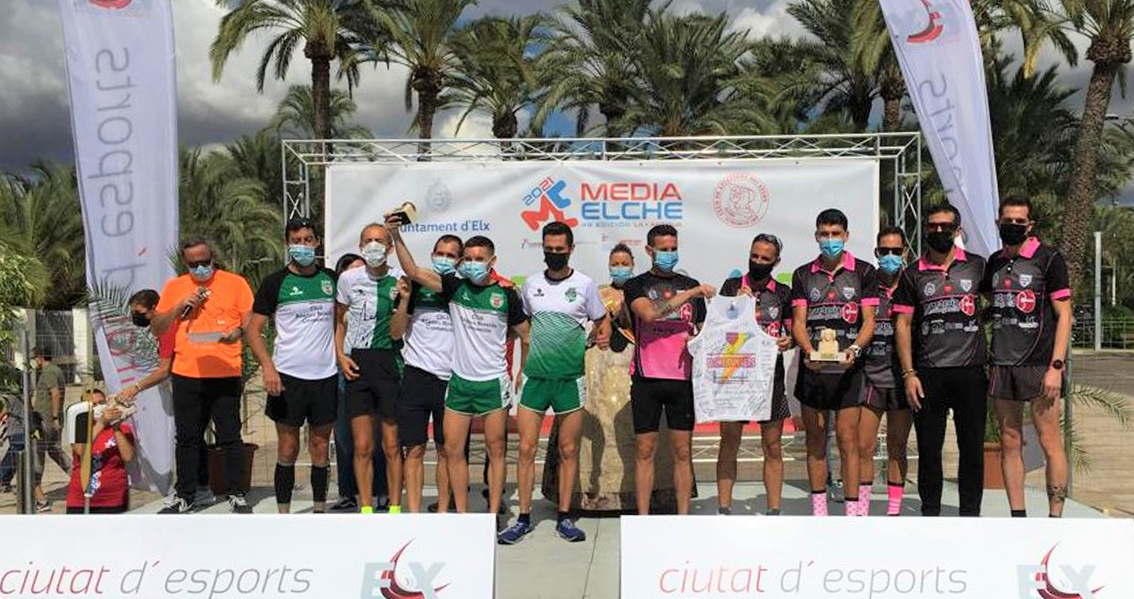 Gran victoria por equipos del Club Atlético Novelda Carmencita en la  48 Media maratón internacional ciudad de Elche