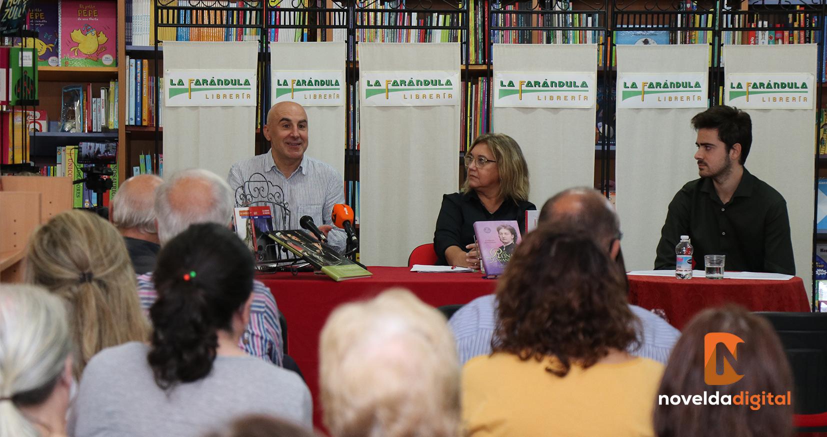 Excelente encuentro literario «Afinidades electivas» en la librería La Farándula con Silvestre Vilaplana y Carmen Gallardo