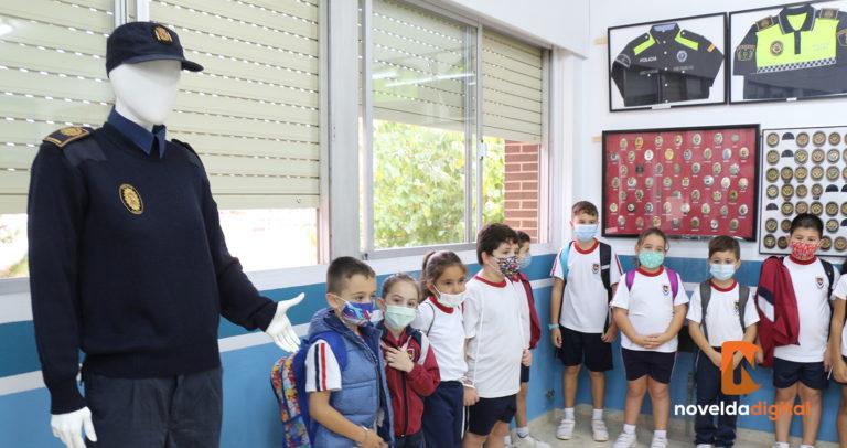 Alumnado del colegio Oratorio Festivo visita el Museo de la Policía Local